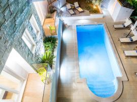 Hotel photo: Bol villa for 12 island Brac Zlatni rat private heated pool