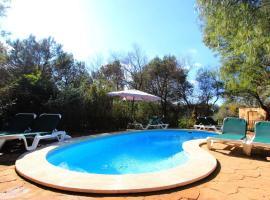 Hotel photo: Pool - Finca Ines B