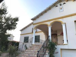 Hotel photo: Mediterranean villa 3 bdr near beach