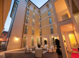A picture of the hotel: Residenza Agnello D'Oro
