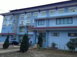 Hotel near Ban Phônsavan