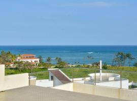 Hotel photo: Rouhi Oceanview Apartment