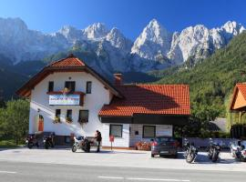 Hotel photo: Apartments and Rooms Jozica