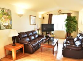 Hotel fotografie: Three Bedroom Windsor Home
