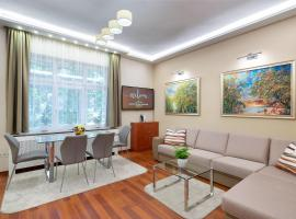 A picture of the hotel: CityPark Deluxe Apartment