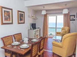 Hotel Foto: Beachfront Apartment 3BR - Traditional Spanish