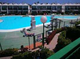 Hotel photo: Pool side duplex in secure complex