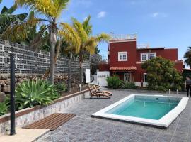 A picture of the hotel: Casa Canaria Tijarafe