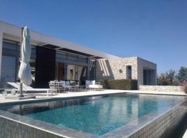 Hotel photo: Luxury Morden elegance villa