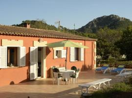 Hotel photo: Can Caragol (Font de sa Cala)