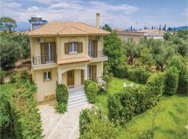 Hotel photo: Maison Fleurs Four-Bedroom Holiday Home in Diakopto