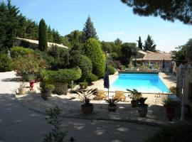 Hotel near Nîmes