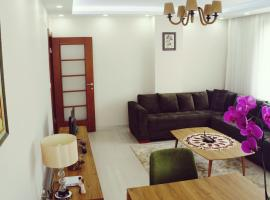 Foto di Hotel: Decent and Cozy Apartment