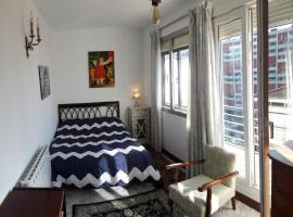 Hotel Photo: Avenida Room