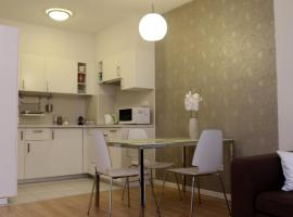 Hotel Foto: The Prince's Neighbour Apartment Budapest