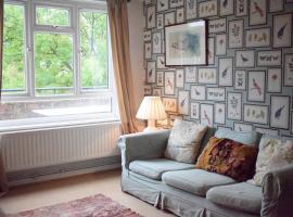 酒店照片: 2 Bedroom Apartment with Balcony in Battersea
