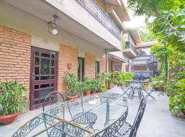 A picture of the hotel: 1 BR Boutique stay in Ratanada, Jodhpur (AF1F), by GuestHouser