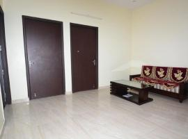 Hotel kuvat: 1 BR Bed & Breakfast in Sector - 28, Faridabad (D398), by GuestHouser