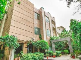 A picture of the hotel: 1 BR Boutique stay in Sundar Nagar, New Delhi (AF0D), by GuestHouser