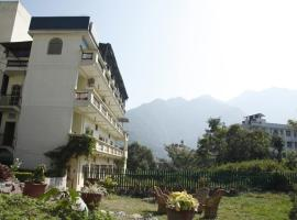 Hotel photo: 2 BR Guest house in Tapovan, Rishikesh (68C8), by GuestHouser