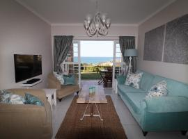 Hotel photo: Stylish Beachfront Apartment in Prime Location