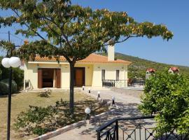 A picture of the hotel: Villa Politimi at Aegina