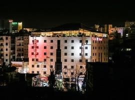 מלון צילום: Queen Plaza Hotel