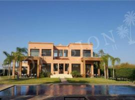 Hotel photo: Villa de luxe, Bab Atlas, 300 m²
