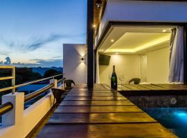 Hotel photo: LUXURY PENTHOUSE JUNGLE VIEW AND PARTIAL OCEAN VIEW, PRIVATE POOL AND ROOFTOP
