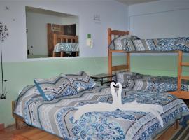 Hotel Photo: Cabinas El Pueblo Bed & Breakfast