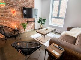 Hotel photo: 1820s Style Boutique Lofts in Old Montreal by Nuage