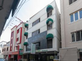 Hotel photo: OYO 16890 Hotel Srm Central Park