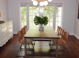 호텔 사진: Luxury Mediterranean Villa in Coconut Grove Miami