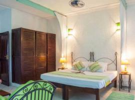 Фотография гостиницы: Wonderful Self Catered Accommodation for 2 guests