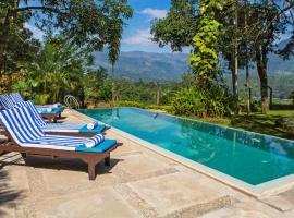 Hotel photo: Mas Villa by FOX resorts