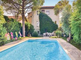 Foto do Hotel: Five-Bedroom Holiday Home in Marseille