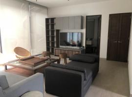 Hotel photo: Luxurious Condo in the Marina