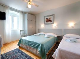 Hotel photo: Studio Komiza 2431f