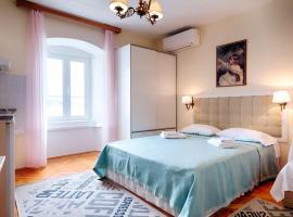 Hotel photo: Studio Komiza 2431a