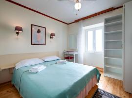 Hotel photo: Double Room Komiza 2431d