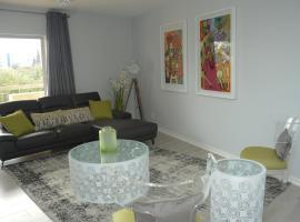 Hotel photo: Modern Sandton Apartment