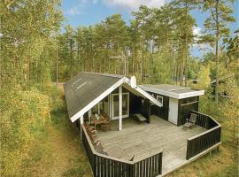 Hotel photo: Holiday Home Aakirkeby with a Fireplace 02