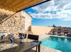 Hotel photo: Casa de pueblo con piscina y vistas a Sineu