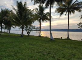 Hotel photo: Casa de Playa Tayazal, cerca de Tikal
