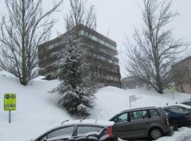 Hotel photo: Sierra nevada, 8 personas, Zona Media a pie de pista, garaje, wifi