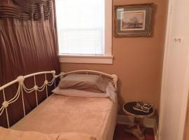 Hotel photo: Room in California Bungalow