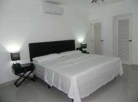 Hotel near 阿羅約納蘭霍