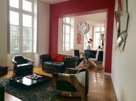 Hotel Photo: Appartement Les Grands Hommes