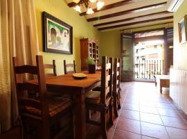 Hotel photo: Casa bien situada en Segorbe