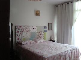 A picture of the hotel: Suite Charmosa